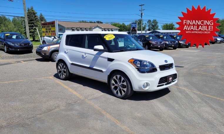 2013 Kia Soul 4U, 74,200 km's, 4 cyl, automatic, air, cruise, heated leather seats, CD player, sunroof, Bluetooth, USB, AUX port, key-less entry, power windows and locks, alloy wheels, inspected until March 2023, and more. $9,995.00 Contact Travis at East Coast Wheels 1(506) 461-9555.
