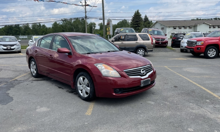 2007 Nissan Altima, 234,000 km's, 4 cyl, automatic, air, cruise, CD player, air, power windows and locks, key-less entry, push-button start, Aux port, inspected until January 2023, and more. $3,995.00 As traded special. Contact Travis at East Coast Wheels 1(506) 461-9555.
