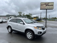 2021 Kia Sorento LX, 159,000 km's, 4 cyl, FWD, automatic, air, cruise, power windows and locks, key-less entry, CD player, Bluetooth, USB, AUX port, heated seats, alloy wheels, inspected until April 2023 and more. $6,995.00 Contact Travis at East Coast Wheels 1(506)461-9555.