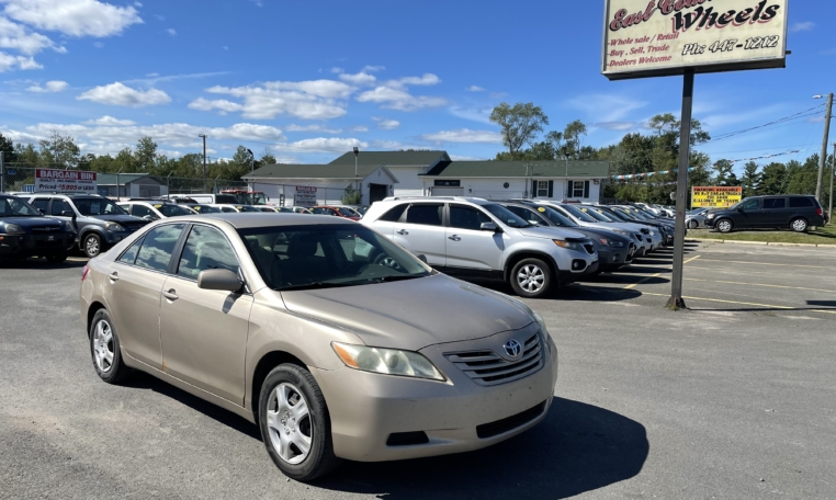 2007 Toyota Camry LE, 255,000 km's, 4 cyl, automatic, air, cruise, power drivers seat, CD player, power windows and locks, key-less entry, alloy wheels, inspected until March 2022 and more. $2,995.00 taxes included as traded special. Contact Travis at East Coast Wheels 1(506) 461-9555.