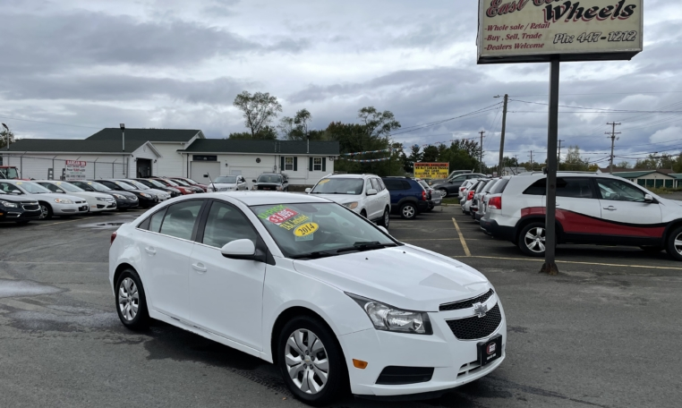 2014 Chevrolet Cruze LT, 236,000 km's, 4 cyl, automatic, air, cruise, power windows and locks, Bluetooth, CD player, USB, AUX port, key-less entry, inspected until August 2022 and more. $3,995.00 Taxes included as traded special. Contact Travis at East Coast Wheels 1(506) 461-9555.